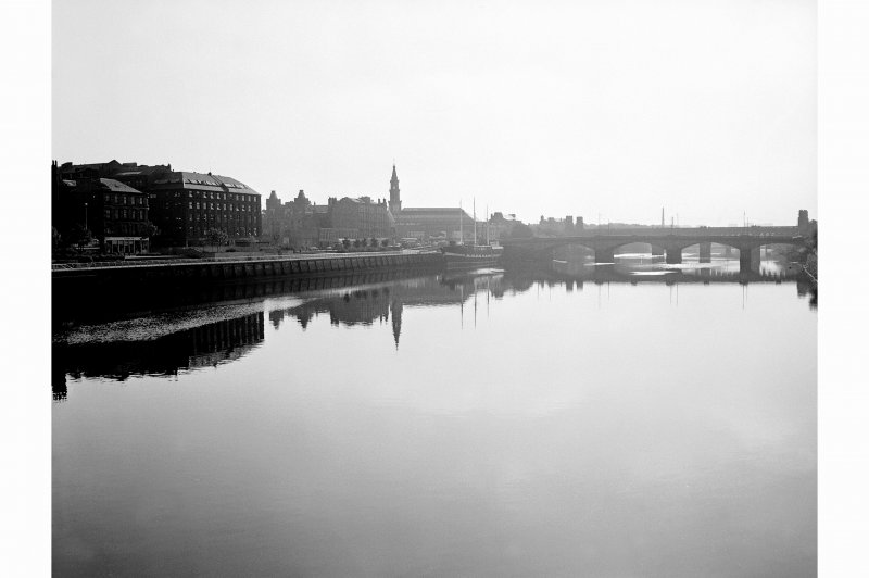 Glasgow, Custom House Quay View from W showing SSW front of Custom House Quay with Victoria Bridge in background