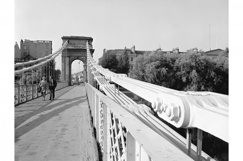 Glasgow, Carlton Place, Suspension Bridge View looking SSW along deck