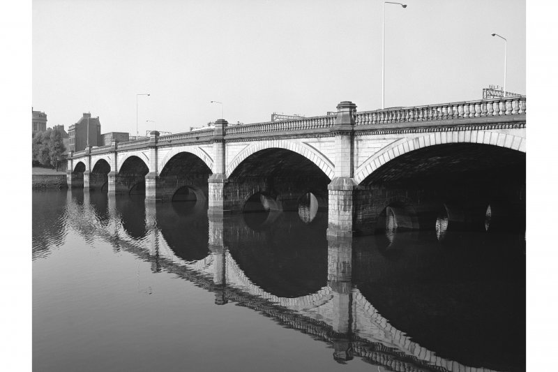 Glasgow, Glasgow Bridge View from NE showing ESE front
