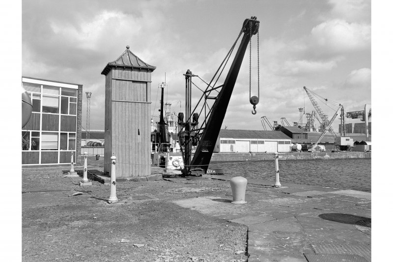 Edinburgh, Leith Docks, Albert Dock, Crane View from SW showing hydraulic crane