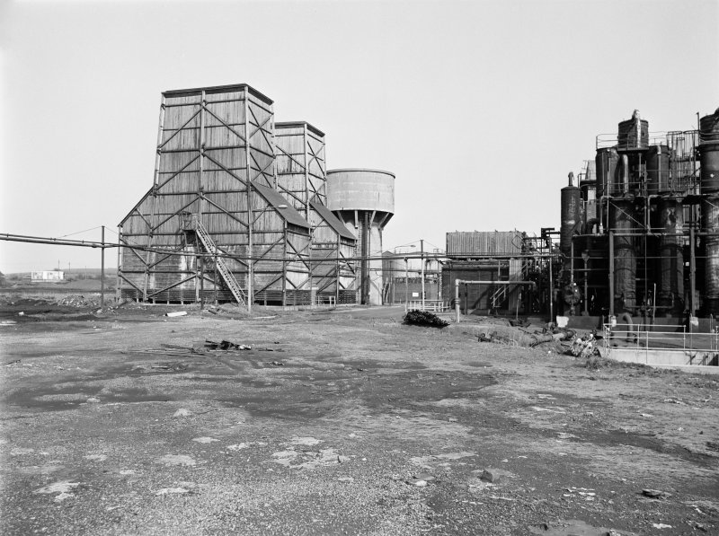 Glasgow, Clyde Iron Works, coke ovens View showing wooden cooling towers of Benzole plant