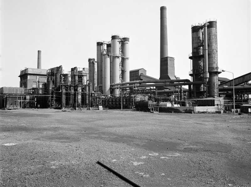 Glasgow, Clyde Iron Works, coke ovens General view showing Benzole plant