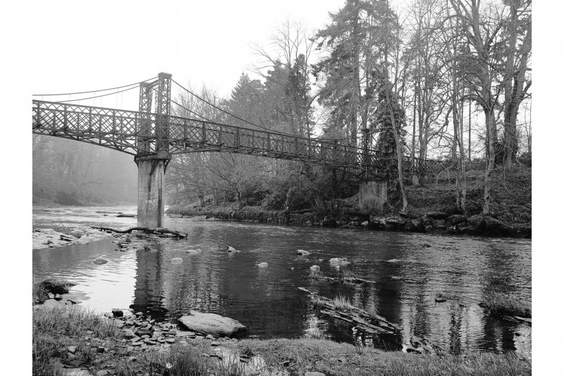 Crossford, Suspension Bridge View showing span