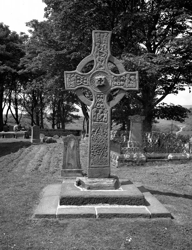 Kildalton Chapel, Cross View of Early Christian Cross from East