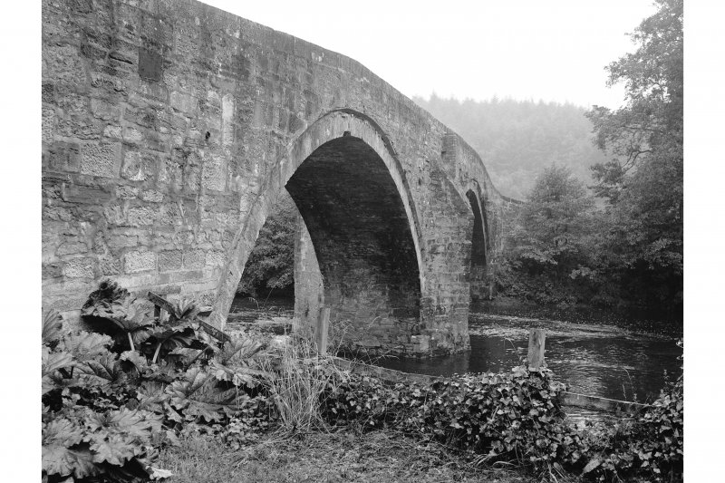 Sorn Old Bridge General View