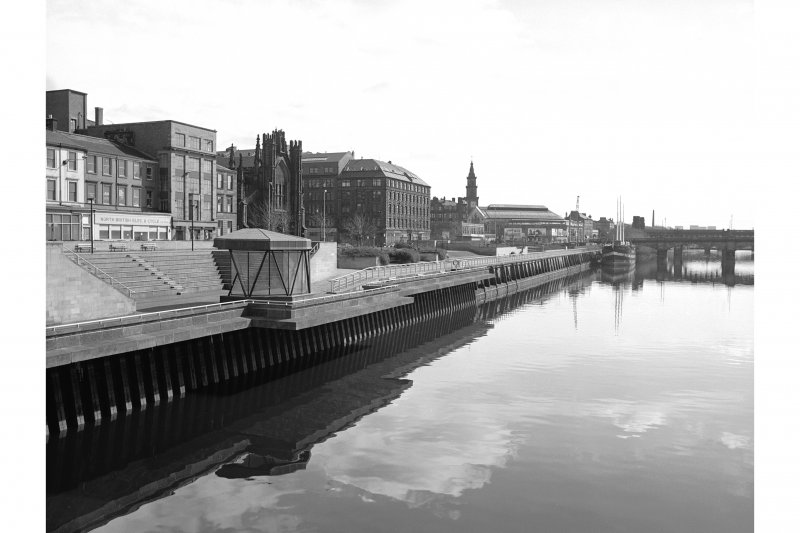 Glasgow, Custom House Quay View from WNW showing E half of SSW front of Custom House Quay