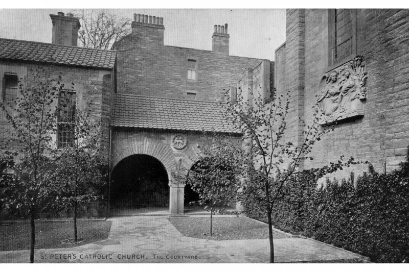 Edinburgh, Falcon Avenue, St Peter's Roman Catholic Church General view of courtyard -postcard