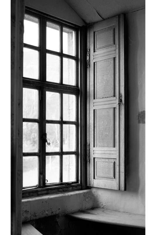Dunderave Castle, interior View of window shutter in North wall of Hall