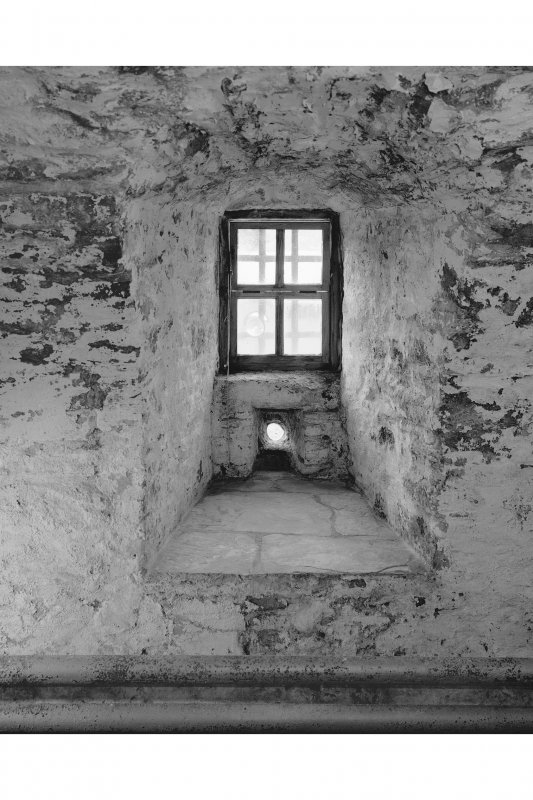 Dunderave Castle, Interior Detail of window embrasure in ground floor South West side wall in South wing
