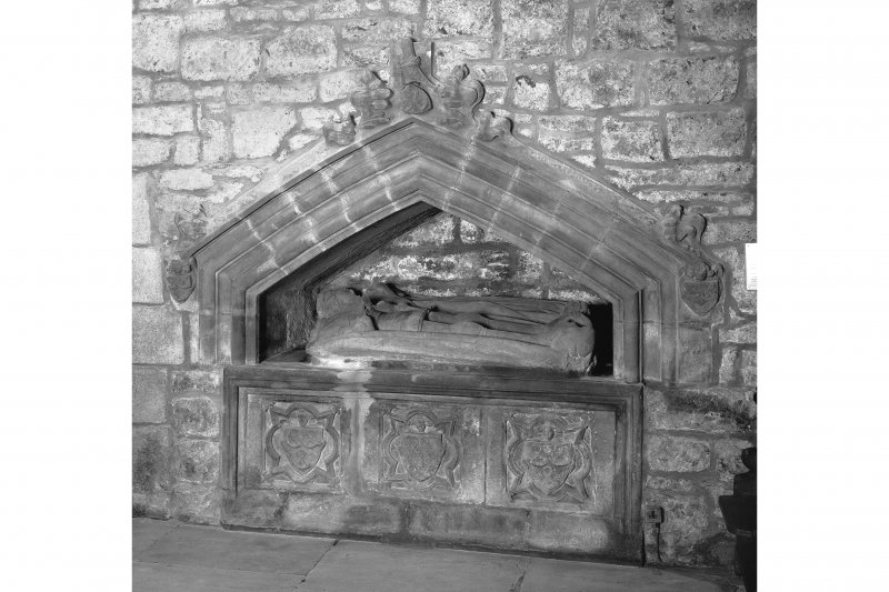 Edinburgh, Kirk Loan, Corstorphine Parish Church, interior. View of the tomb of Sir John Forrester II, 1554. Recumbant effigies of a Knight and his Lady in a wall niche.