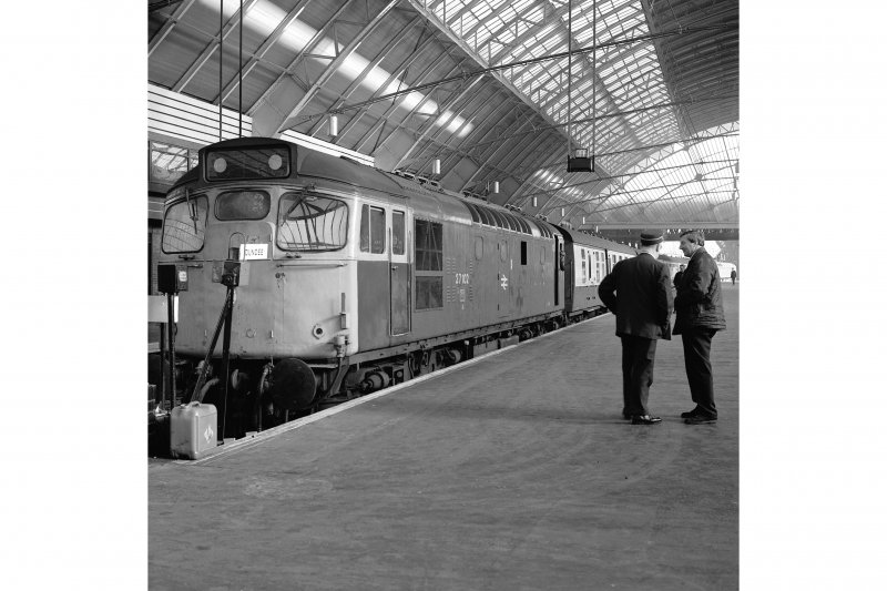 Glasgow, West George Street, Queen Street Station, Interior View from S showing Type 27 at platform