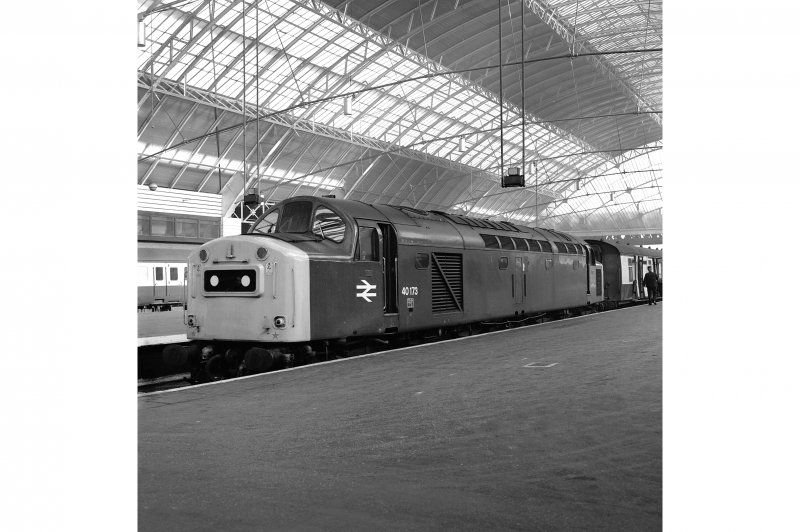 Glasgow, West George Street, Queen Street Station, Interior View from SSE showing Type 40