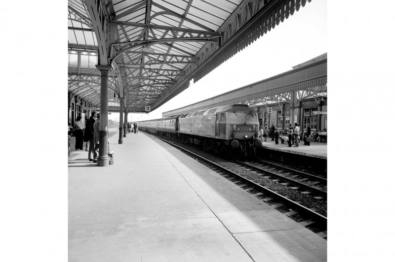 Stirling Station View from N showing Type 47 on Aberdeen push-pull at platform 2