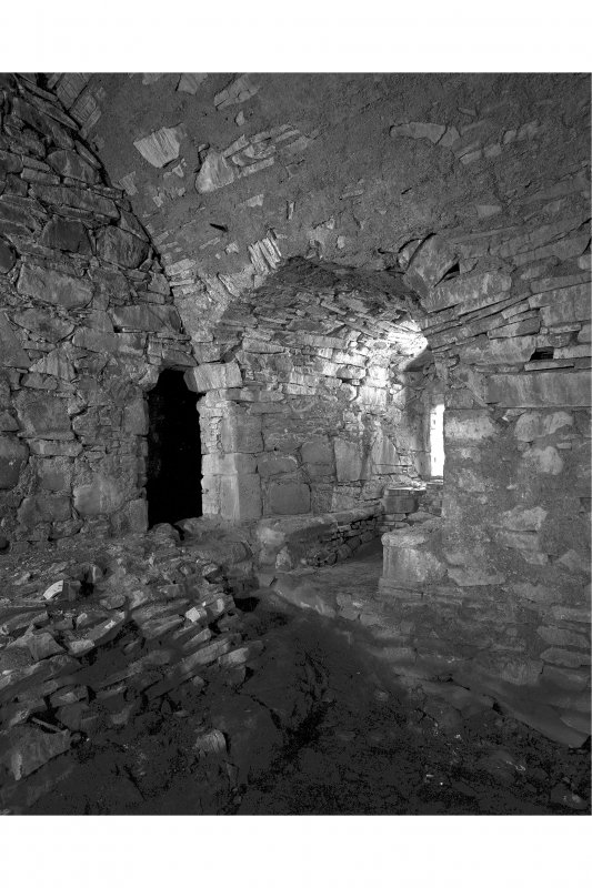 Mull, Moy Castle, interior. View of first floor hall showing window embrasure in South-East wall.