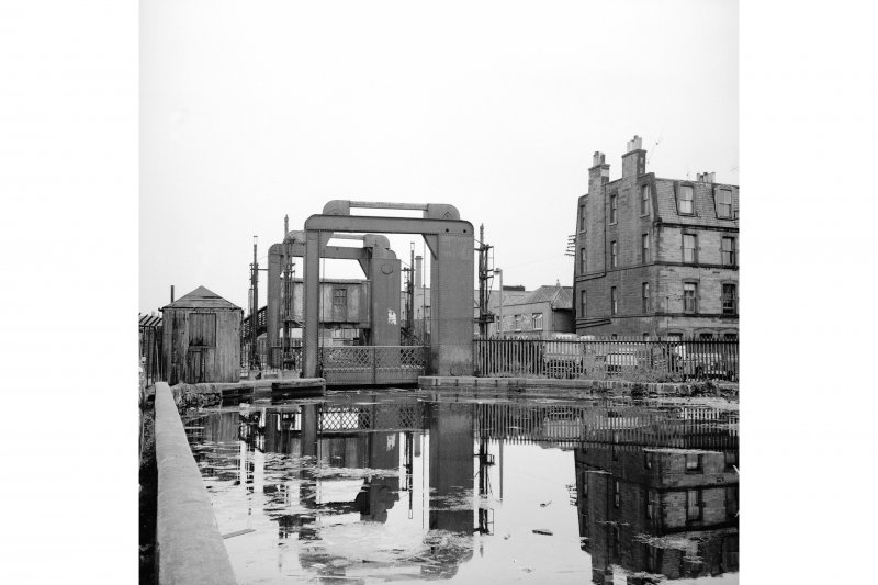 Edinburgh, Gilmore Park, Union Canal Lifting Bridge View from WSW showing SW front of lifting bridge with number 6 Leamington Road in background