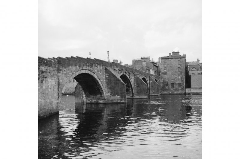 Ayr, Auld Brig View from NE showing NW front of bridge and NE front of numbers 11-15
