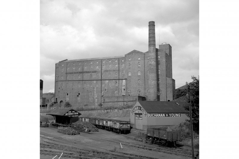 Kirkcaldy, Bennochy Road, Walton Linoleum Factory View from ESE showing SE front of linoleum works with trucks and coal merchant buildings in foreground