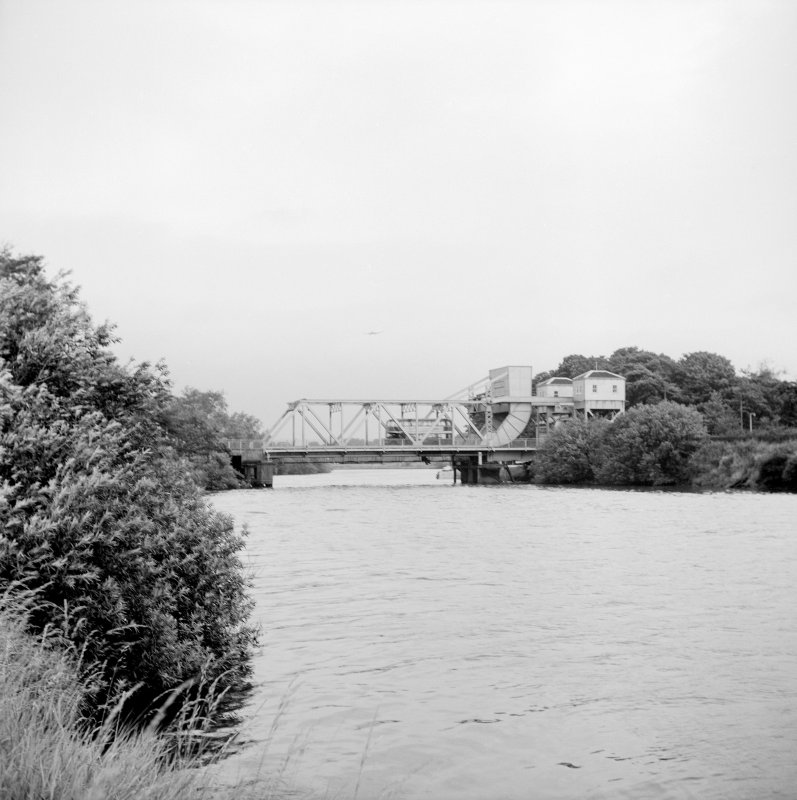 Renfrew, Inchinnan Road, Rolling Lift Bridge over White Cart View from SW showing SSW front
