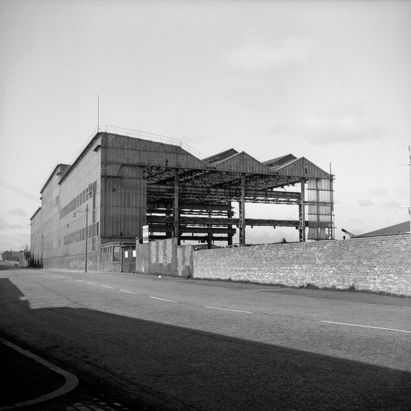 Glasgow, 184 Helen Street, Clyde Foundry View partly demolished, showing interior and roof structure