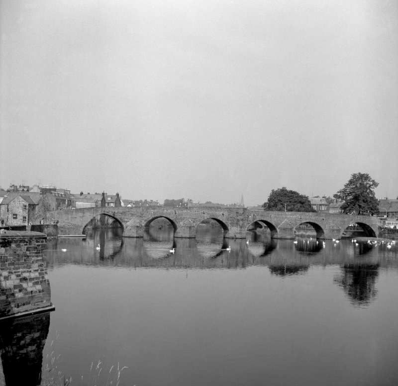 Dumfries, Old Bridge View from SE showing SE front