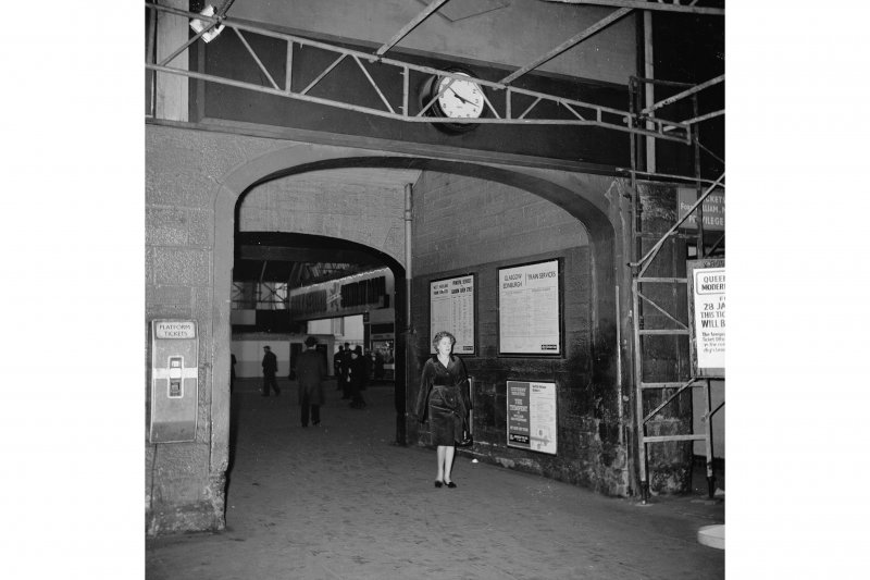 Glasgow, West George Street, Queen Street Station; Interior General view, note platform ticket machine at left of shot