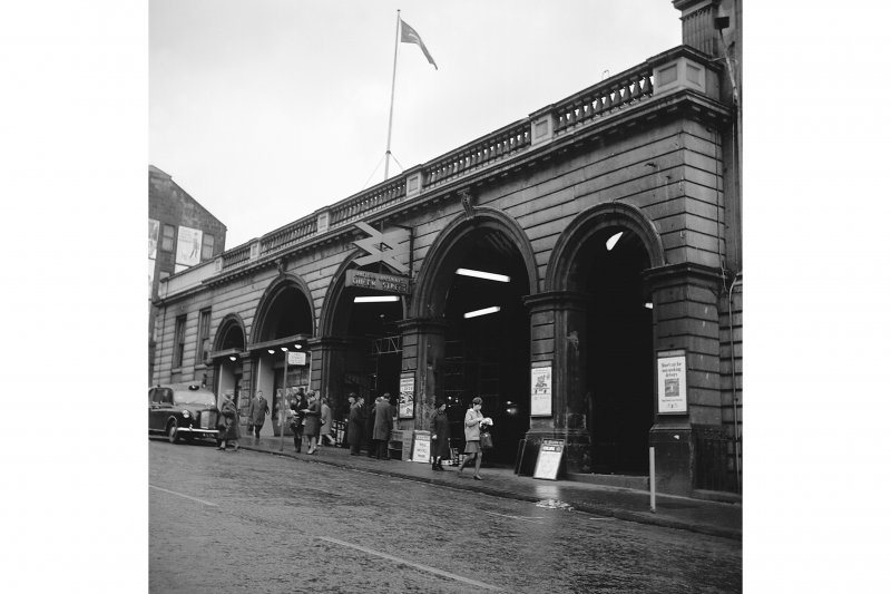 Glasgow, West George Street, Queen Street Station View of frontage