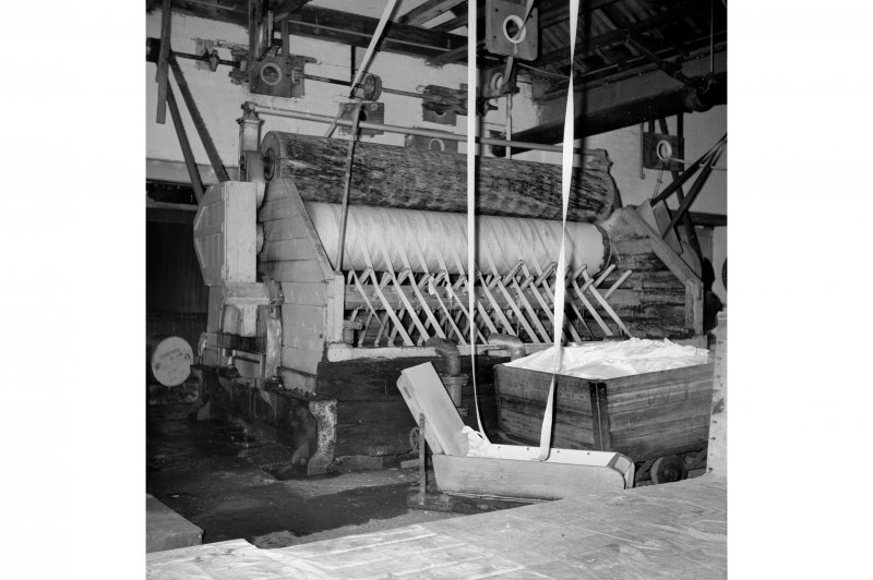 Netherplace Bleachworks, Electricity Generating Station; Interior View of bleaching machine