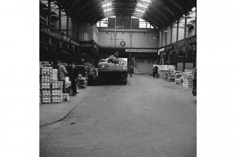 Glasgow, 60-106 Candleriggs, City Hall and Bazaar, Interior View of old part showing main hall