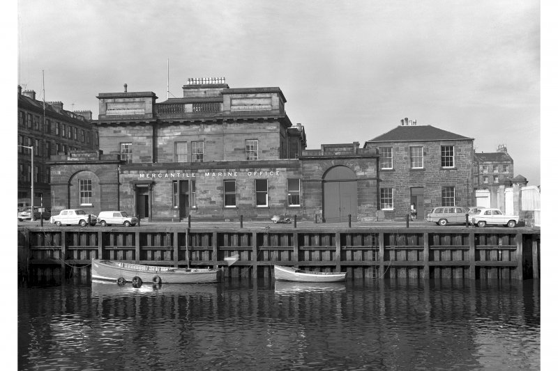 Custom House. General view.