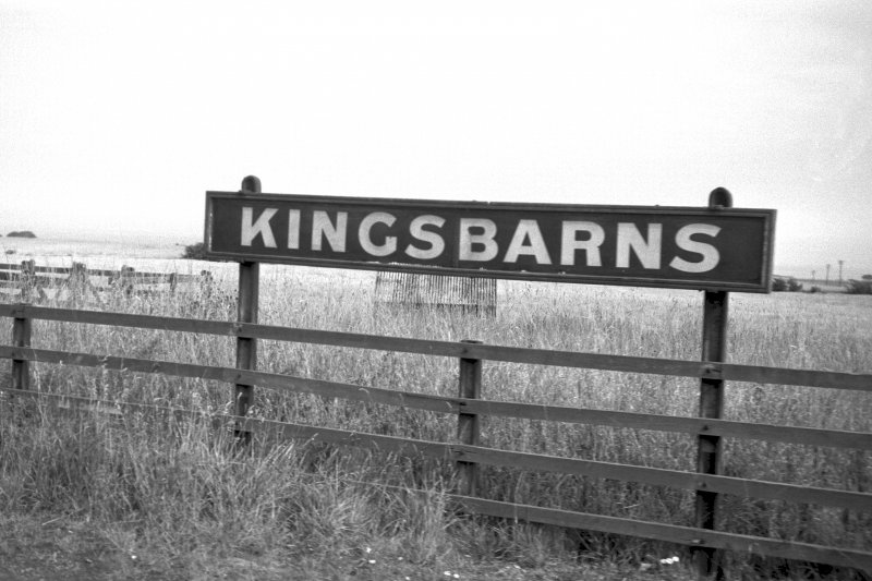 View from WSW showing 'Kingsbarns' sign
