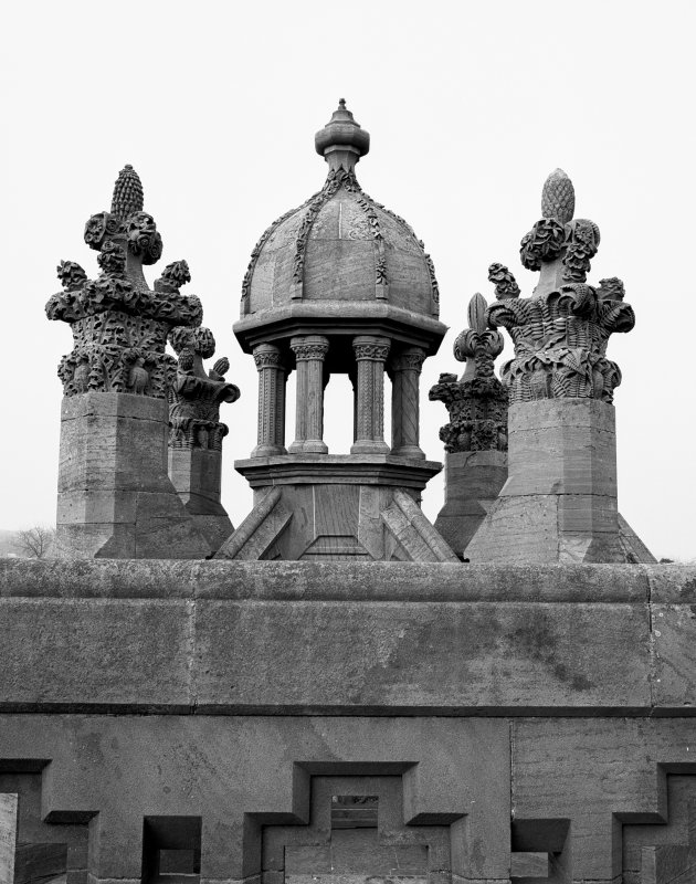 Detail of NW angle turret.