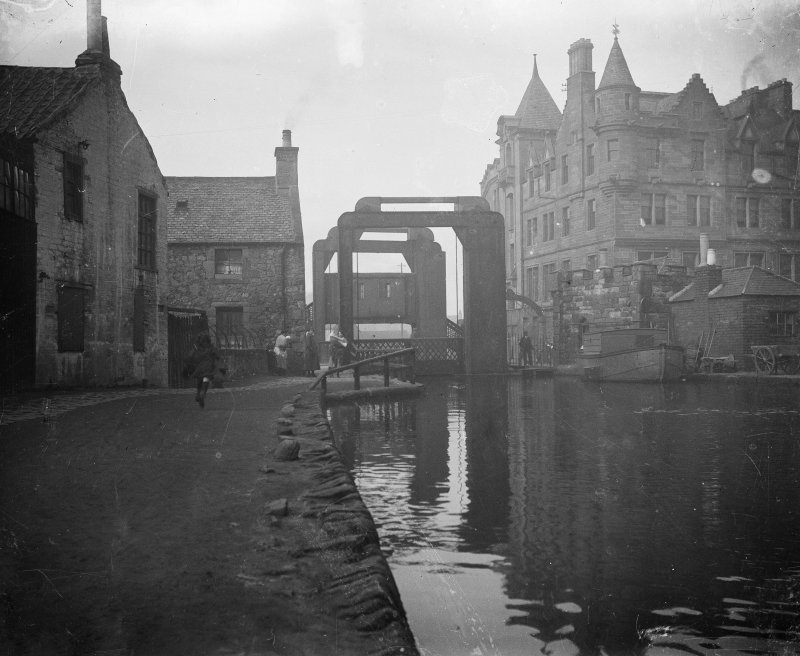 Edinburgh, Gilmore Park, Union Canal, vertical lifting bridge. General view of bridge. Digital image of ED/6936.