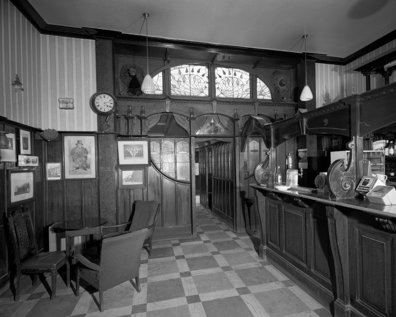 Interior. View of public bar and entrance to lounge. Digital image of RE 977