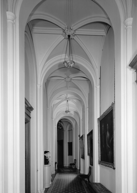 Interior-general view of Queen's corridor