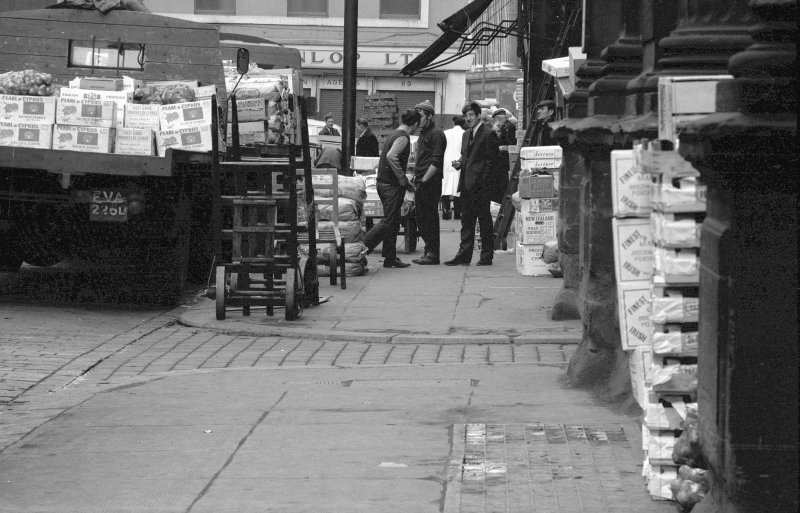 View showing street scene round fruit market, Glasgow