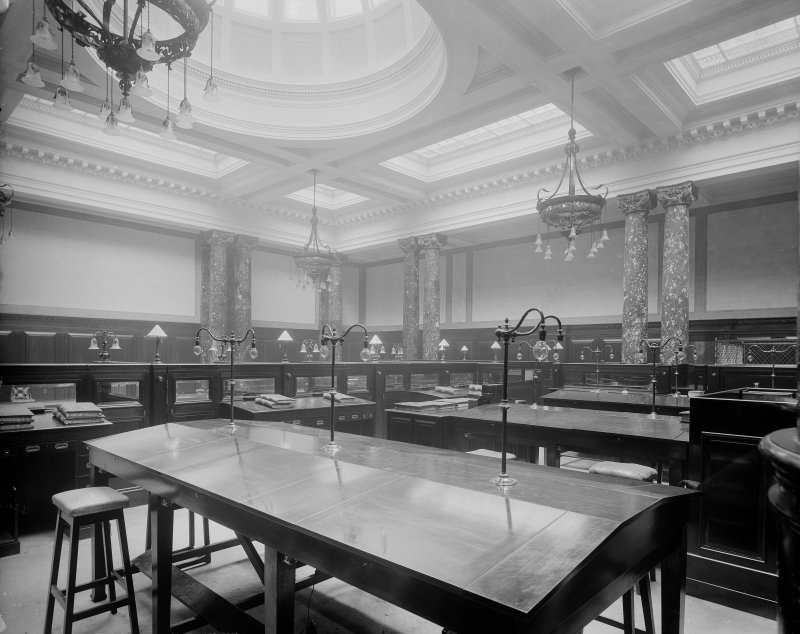 Interior. General view of accounting room.