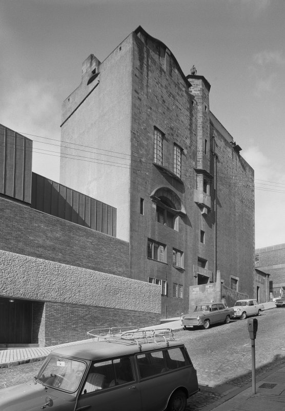 Glasgow School of Art, view from SE. Digital image of GW/541.