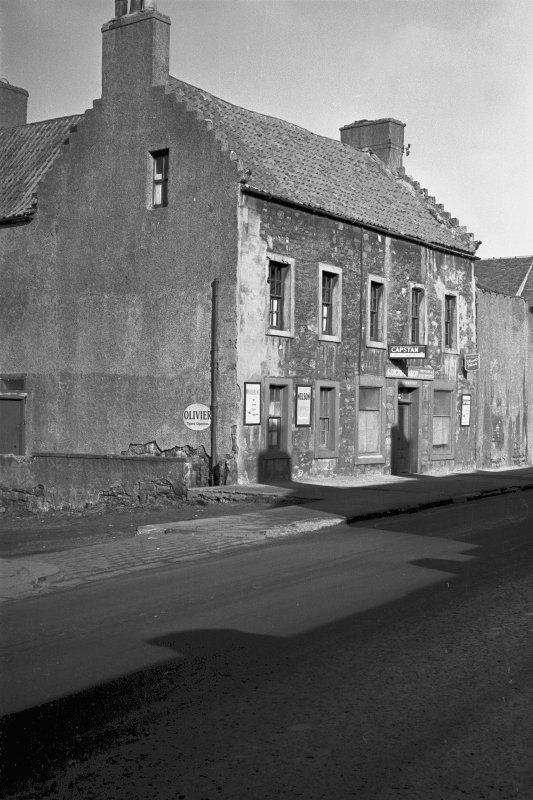 General view of 52 High Street, Prestonpans