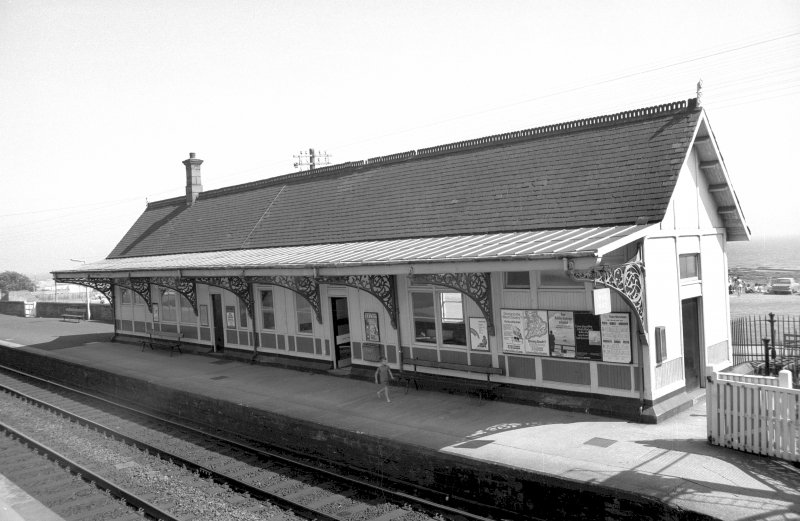 View from NW showing NNW and WSW fronts of S platform building