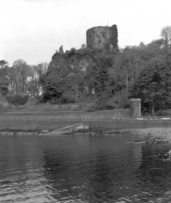 Dunollie Castle. General view from South-East.