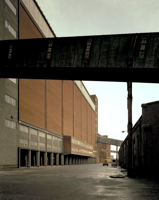 View from West showing South frontage of 1960 granary block and North side of Quayside Warehouse. Digital image of B 3852 CN