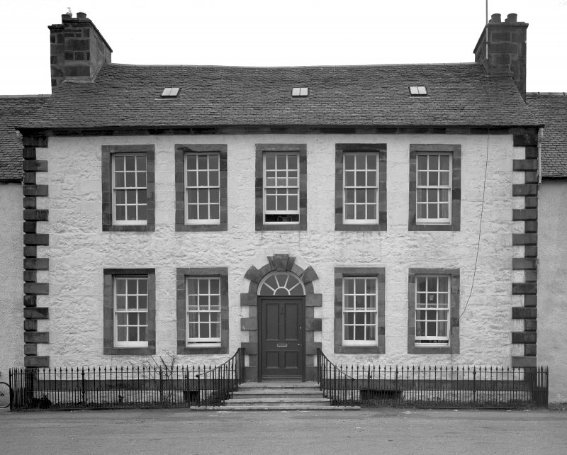 Inveraray, East Front Street, house, Buntains. General view.