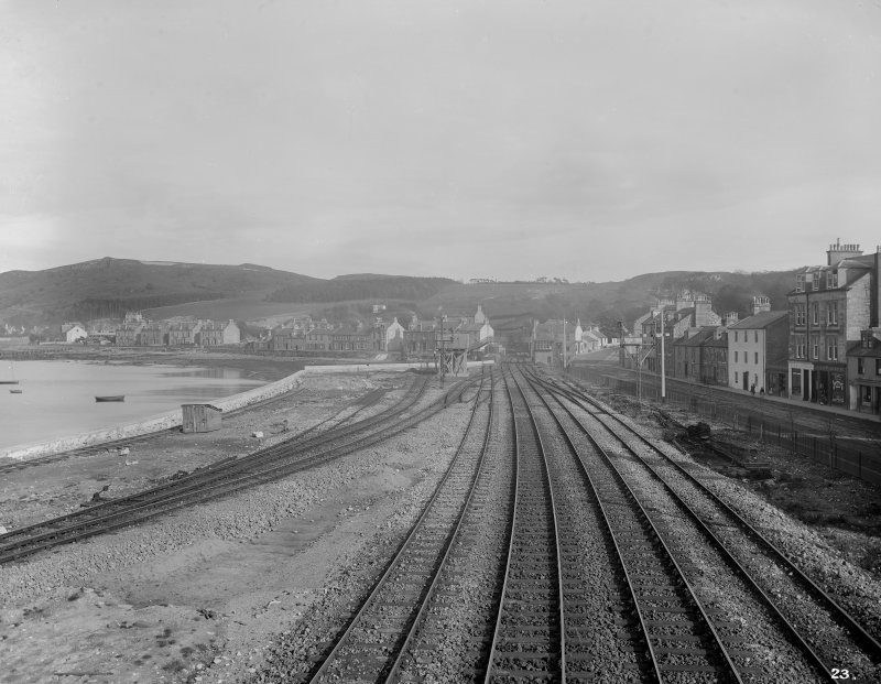 General view of tracks by riverside looking away from Gourock Station