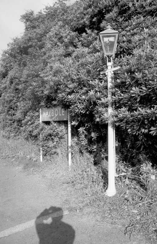 View from SE showing lamp-post and 'MAYBOLE' sign
