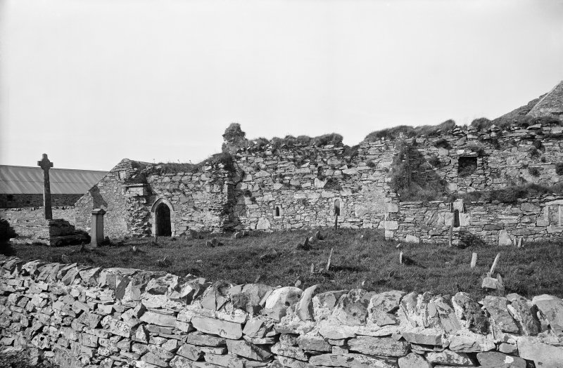 Oronsay Priory, from the south