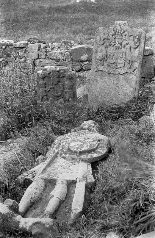 Mull, Inchkenneth Chapel. View showing recumbent figure of Sir Allan MacLean.