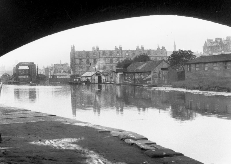 Edinburgh, Lower Gilmore Place, Union Canal. General view from South-West showing vertical lifting bridge.
