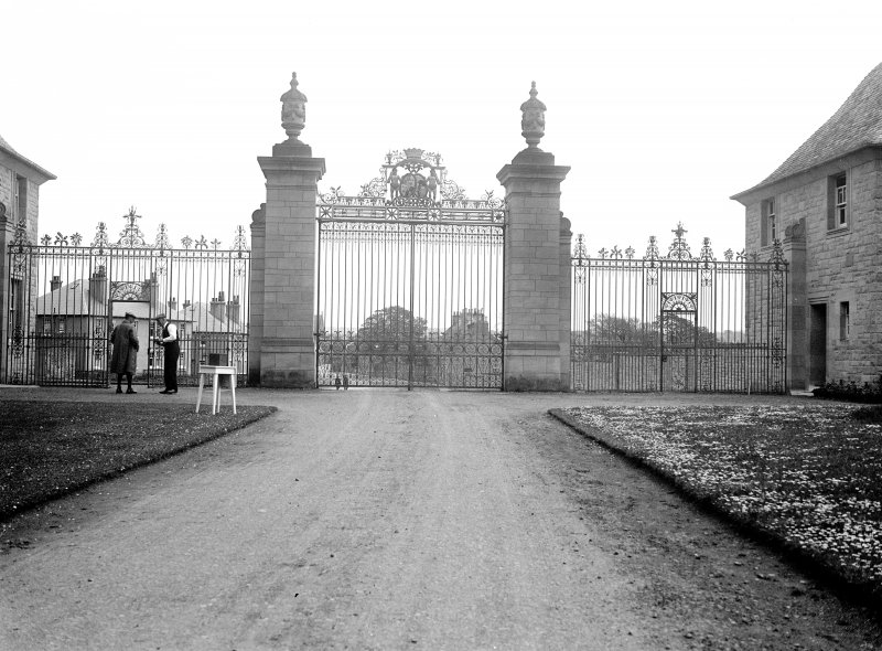 Floors Castle, gateway and lodges View of central gate and piers, from NW Digital image of RX/960