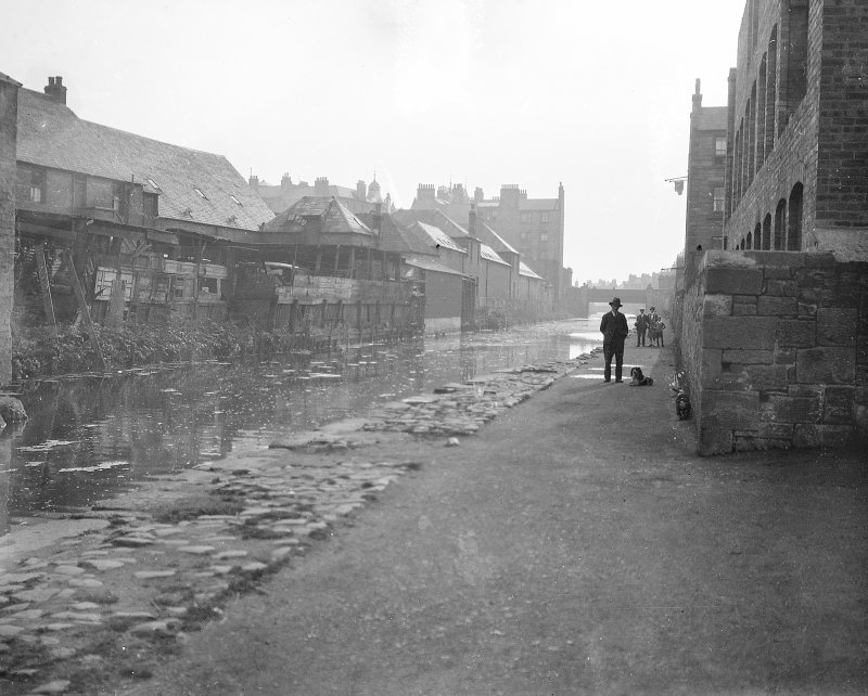Edinburgh, Union Canal. General view of canal. Digital image of ED 6952