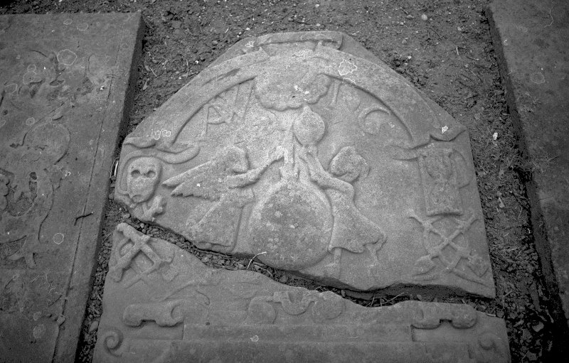 View of gravestone of P W I G, with motif from Quarle's Emblems. Digital image of AN 6554.